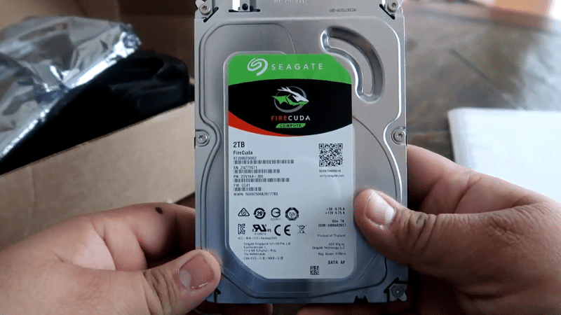 Seagate FireCuda (2TB) unboxing 2