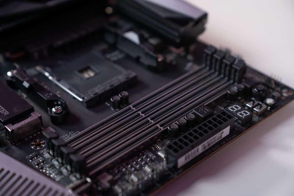 x570 motherboard memory