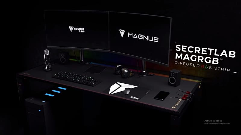 MAGNUS desk full